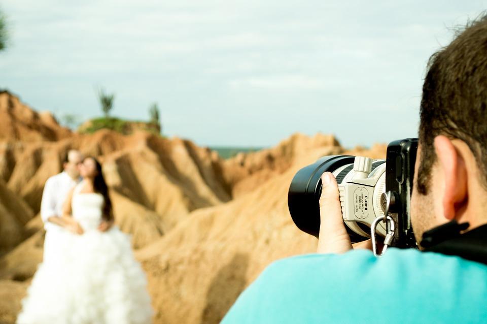 Wedding Photographer - How A Wedding Ceremony Goes